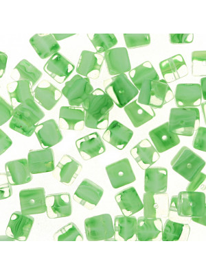 Cubo, 5x7 mm., Verde peridot striato in bianco