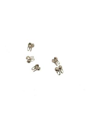 Fermino con anello chiuso per catena a palline o diamantata dallo spessore di  0,8-1,5 mm.