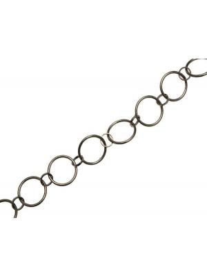 Catena tonda formata da un anelli tondi dal diametro di 14 mm. collegati tra loro da anelli tondi dal diametro da 6 mm.