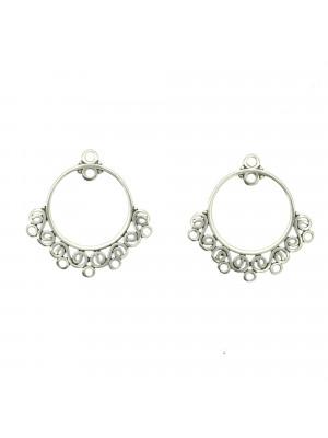 Base per orecchino a forma di cerchio, con due anelli sopra e riccioli inferiori, 24x25 mm.