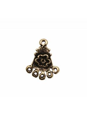 Base per orecchino a forma di triangolo puntinato, con fiore centrale, largo 20 mm., lungo 25 mm.