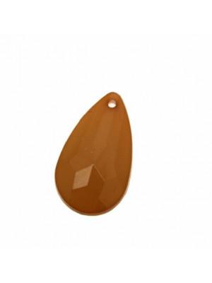 Goccia piatta sfaccettata, con foro in testa, in resina, 36x23 mm., color Marrone opale