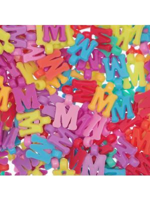 """Ciondolo in Plastica Lettera """"M"""" 18x11mm."""