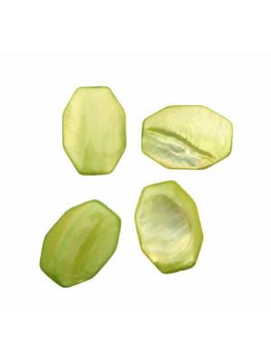 Ottagono lungo piatto in conchiglia con foro passante, 20x30 mm., colore Verde Chiaro