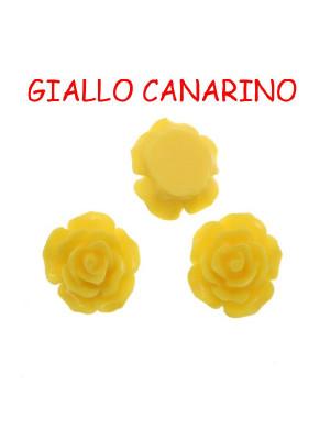 Rosa in resina colorata, piatta sotto, da incollo con foro passante, larga 18 mm., colore Giallo canarino