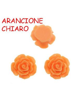 Rosa in resina colorata, piatta sotto, da incollo con foro passante, larga 18 mm., colore Arancione Chiaro