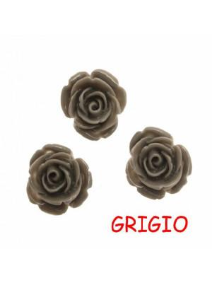 Rosa in resina colorata, piatta sotto, da incollo con foro passante, larga 18 mm., colore Grigio
