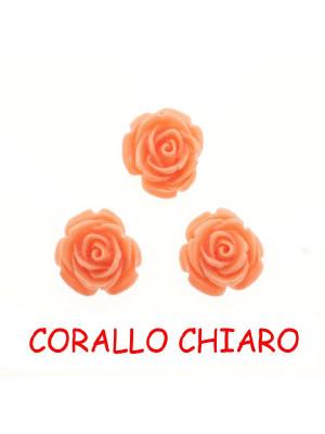 Rosa in resina colorata, piatta sotto, da incollo con foro passante, larga 18 mm., colore Corallo chiaro