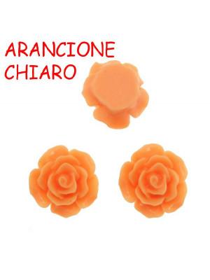 Rosa in resina colorata, piatta sotto, da incollo, larga 20 mm., colore Arancione chiaro