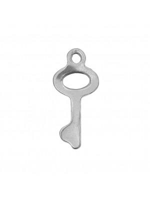 Ciondolo, in Acciaio, a forma di Chiave, 16x7 mm., con un anellino tondo in alto