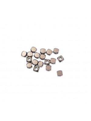 Distanziatore a cubo liscio, 4x4 mm., in Acciaio