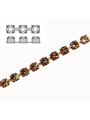 Catena strass, con cristalli Preciosa, base in metallo colore ottone, colore strass LIGHT PEACH