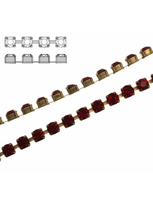 Catena strass, con cristalli Preciosa, base in metallo colore ottone, colore strass SIAM